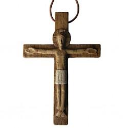 Christ en relief sur croix...
