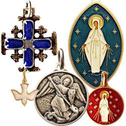 Médailles et petites croix
